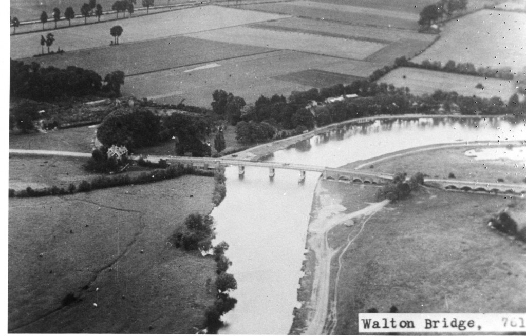 Walton Bridge in the 1920s