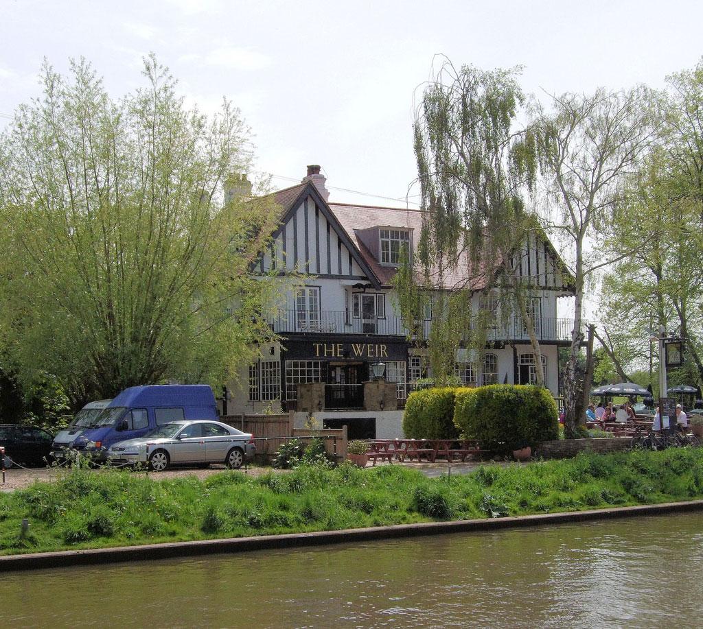 Weir Pub